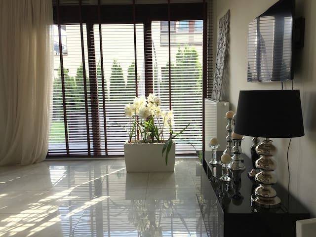 Self-contained luxury Apartment - Warszawa - Appartement