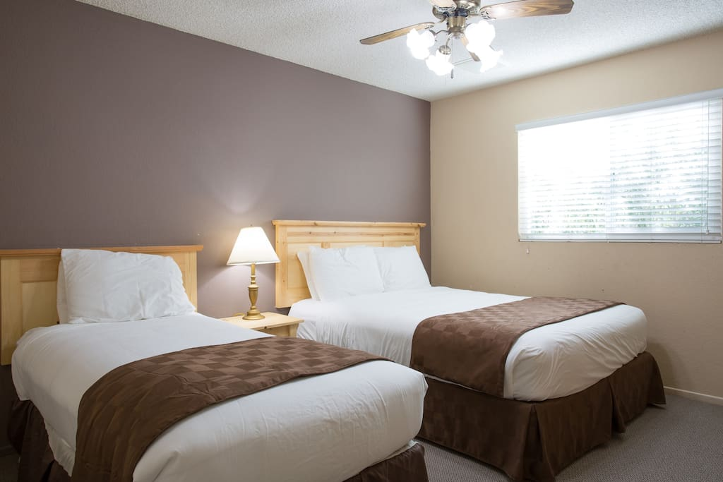 Two Bedroom 1 5 Bathroom Apartment 12 Serviced Apartments For Rent In Twentynine Palms