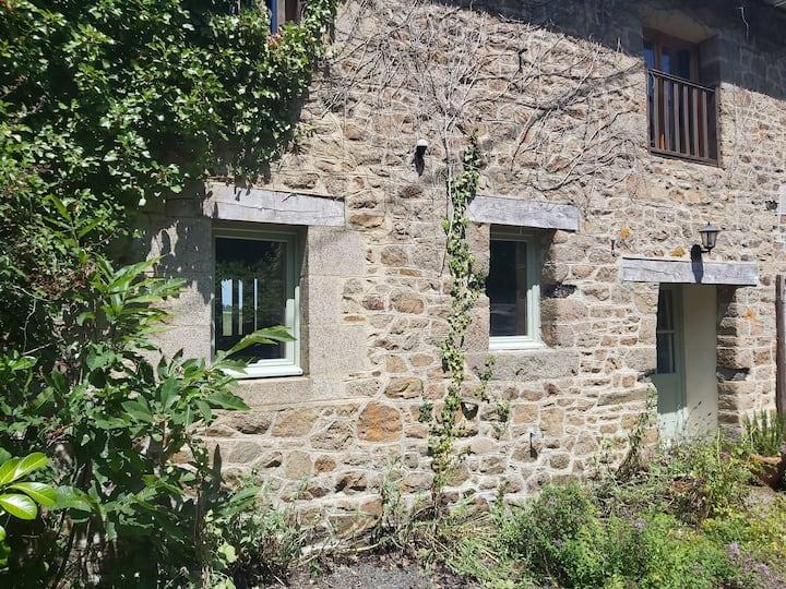 Virginie cottage @ Domaine des Pommiers - sleeps 7