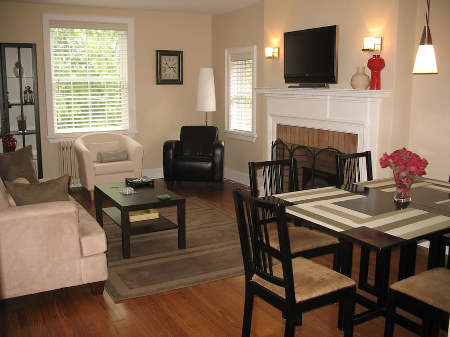 Fully furnished & renovated Living-dining room