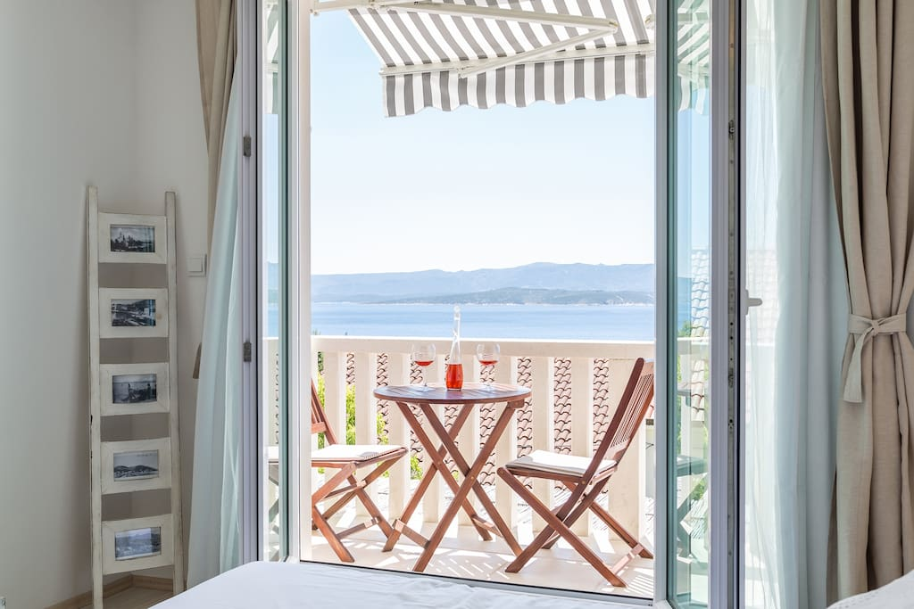 Zlatni Bol Studio S2 no.8 south terrace with sea view