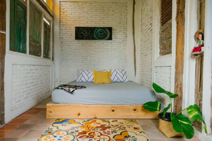 Papermoon Residency House - Moyo Room