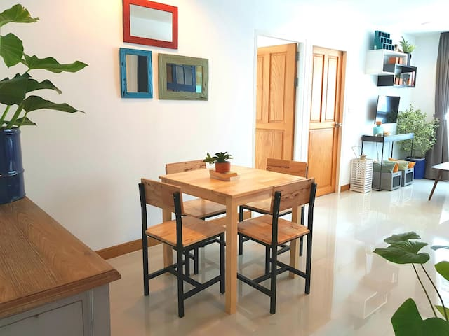 Charming river/city view apartment with 2 bedrooms