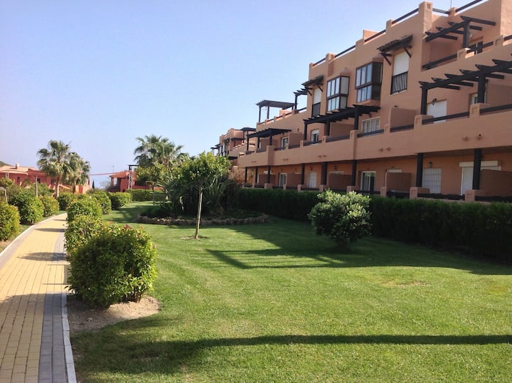 Luxury 2 Bed/Bath apmt, Casares Del Sol, Eatepona