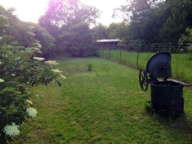 Maison atypique avec jardin - Andrésy
