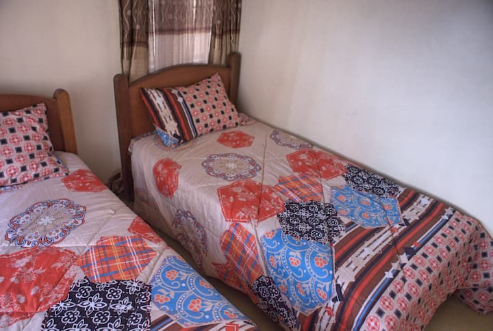 Five bedroomed Shared accomodation