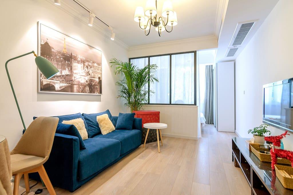客厅全景,宽敞、大气、舒适、实用