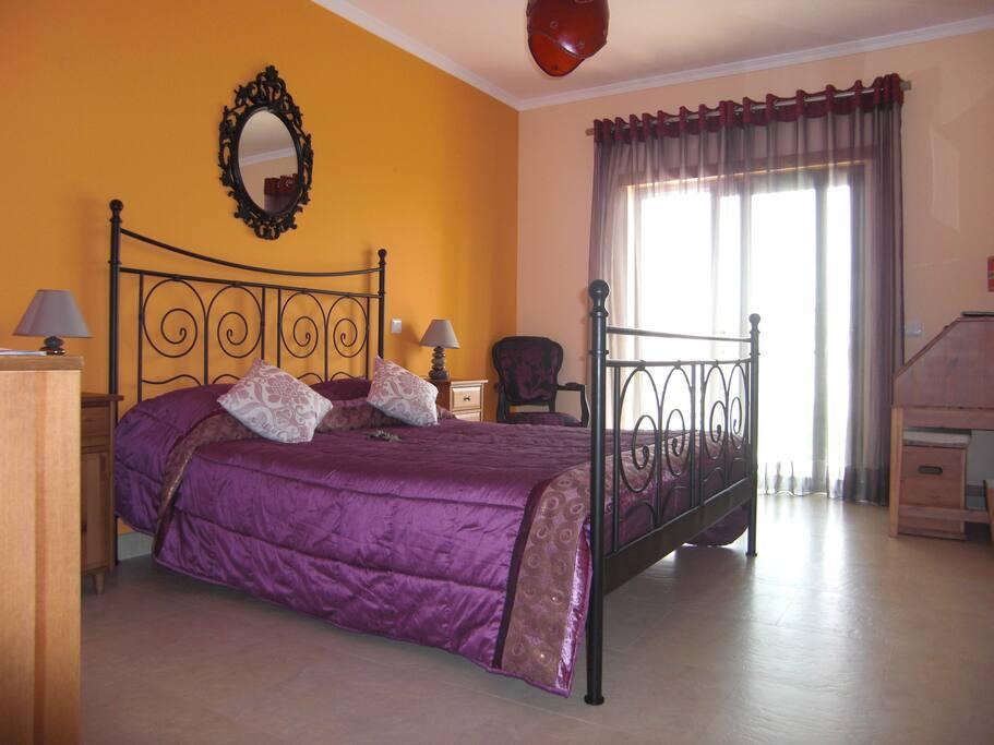 chambre avec vue et petit d jeuner chambres d 39 h tes louer lagos faro portugal. Black Bedroom Furniture Sets. Home Design Ideas