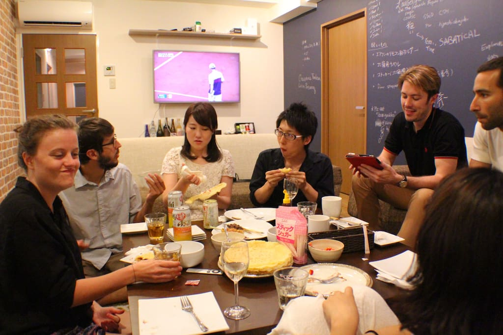 Talking what guests found interesting in Japan