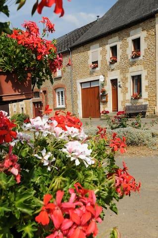 """l'hirondelle """"clevacances"""" 3 clefs - Girondelle - Huis"""