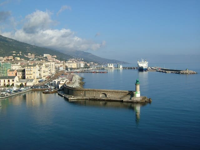 Appartement, au calme, sur les hauteurs de Bastia.