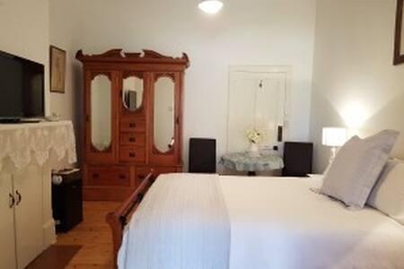 Angas Plains Estate Vineyard Suite