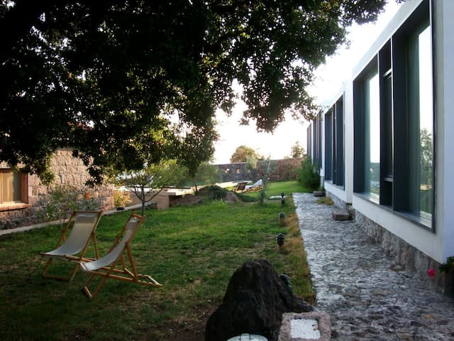 Assos'ta Modern Tasarım 4. Kübik Oda
