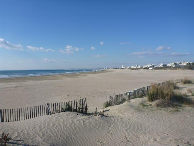 VILLA DE 60m² avec accès direct à la plage - La Grande-Motte - Rumah