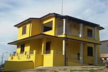 Nuova e confortevole abitazione - Atzara