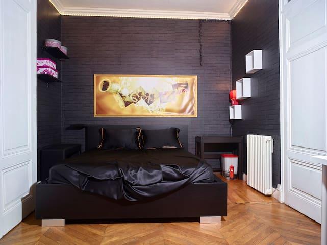 Grand appartement de 80 m2 dans le 6eme