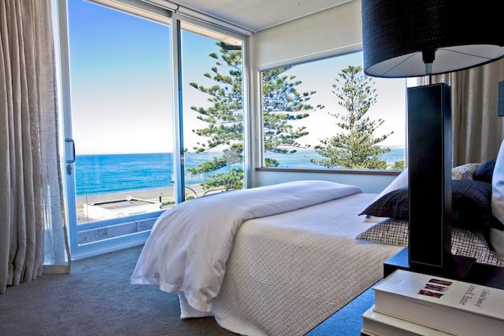 Cape View Penthouse in Napier!