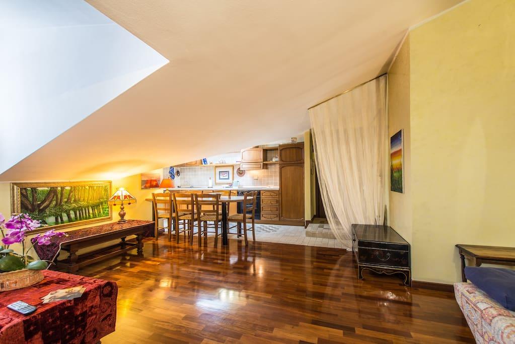 Tranquilla accogliente mansarda appartamenti in affitto for Appartamenti in affitto bergamo