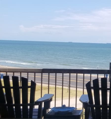 WOW! OCEAN VIEW, PET FRIENDLY, KING BED