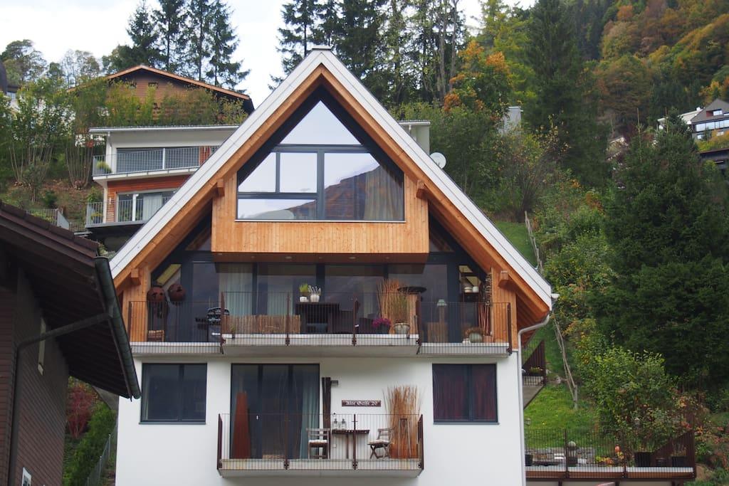 mitten im dorf 4 zi whg mit terrasse und balkon guest. Black Bedroom Furniture Sets. Home Design Ideas