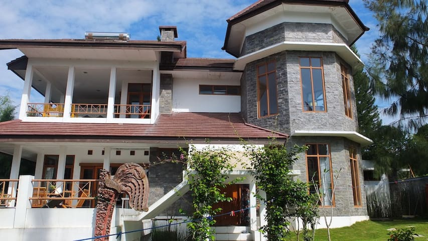 Villa with great view and hiking - Lembang - Casa