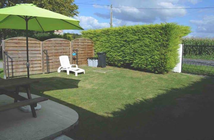 Maisonnette avec jardin et terrasse