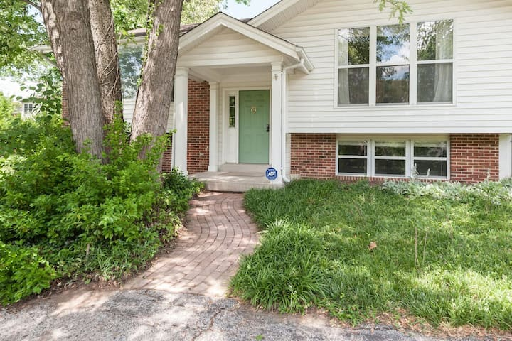 Welcome to our cozy home in the heart of Olivette. <3