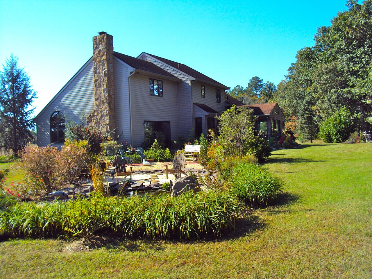 Lovely Country Home Close to Delaware Beaches!
