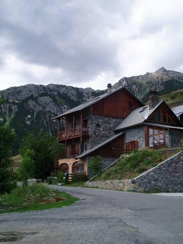 Maison à Puy Chalvin 1680m alt - Puy-Saint-André - บ้าน