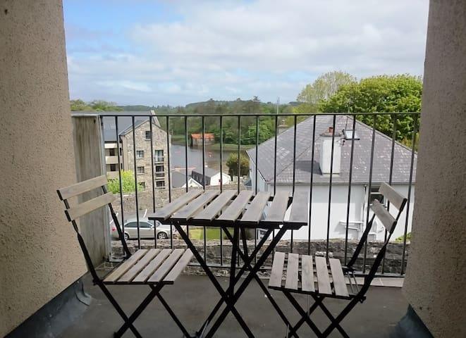 Comfortable 2BD with sea views - Westport