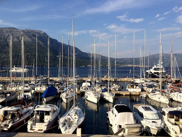 Yacht Marina Front Apt. In Center - Korčula - Appartement