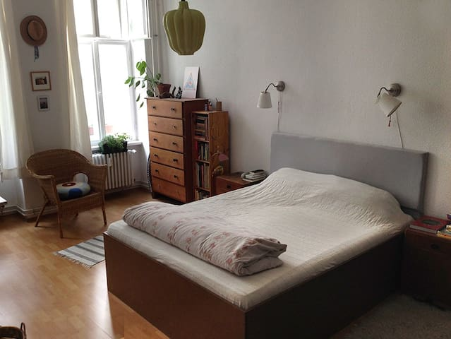 A Double Bedroom In a Cozy Neukölln Flat