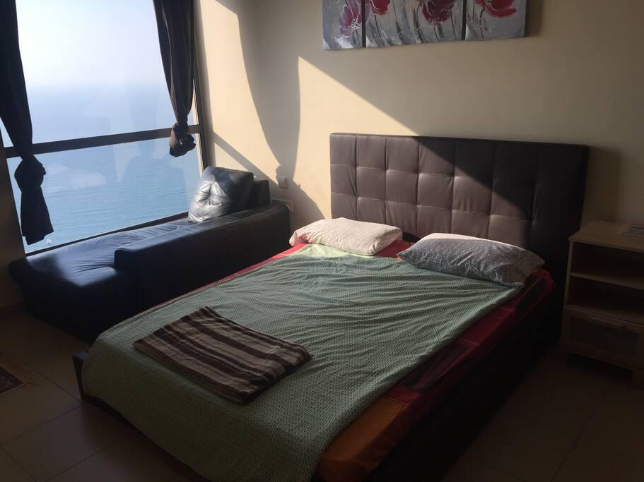 Room with no balcony