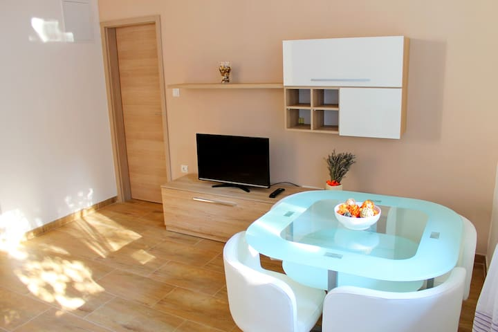 Sunny apartment in Zadar with parking space