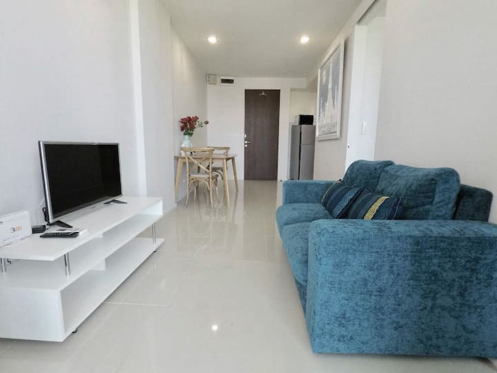 Spacious 1 BR condo with kitchen ♥ Sea view 0796