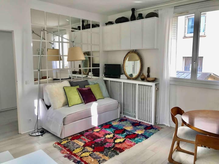 Very near Paris. Next to metro. New, with bedroom