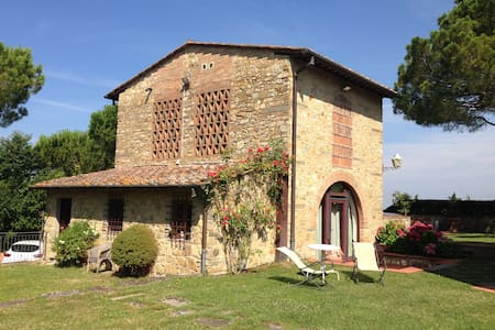 Experience a breathtaking barnhouse-8km to Firenze - Haus