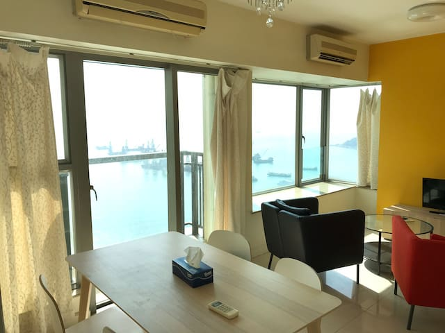 Full Seaview 1BR Apartment near Olympic Station