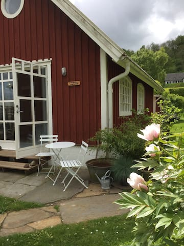 Charming cottage near the sea - Båstad - House
