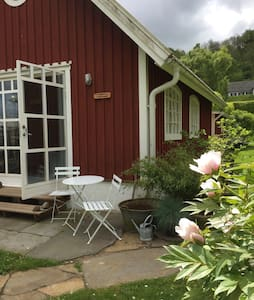 Charming cottage near the sea - Båstad - Haus