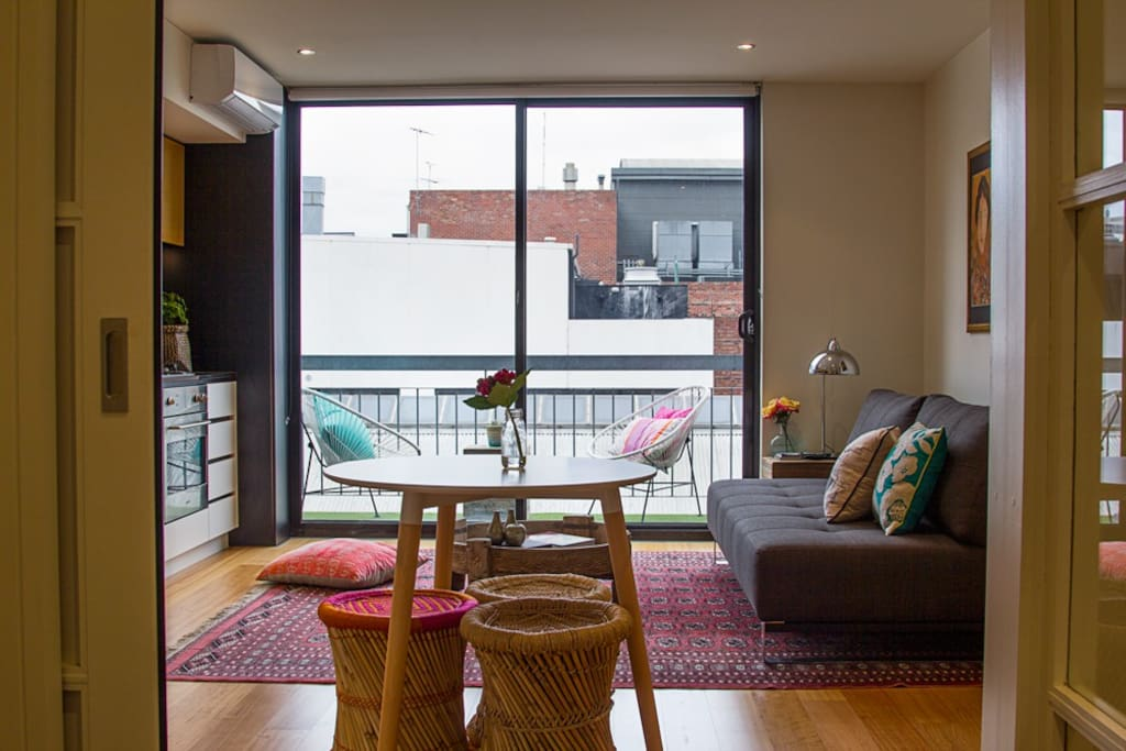 Beautiful Melbourne Theater Area Apartments For Rent In