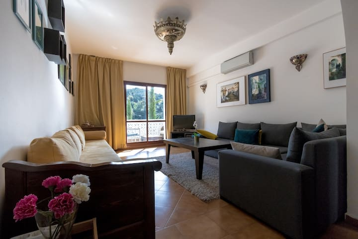 (5) Apartement with mountain view close to Kasbah