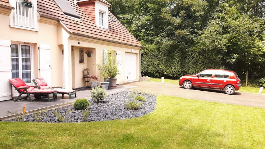Charming house in forest, 50 miles from Paris. - Agnetz - Villa