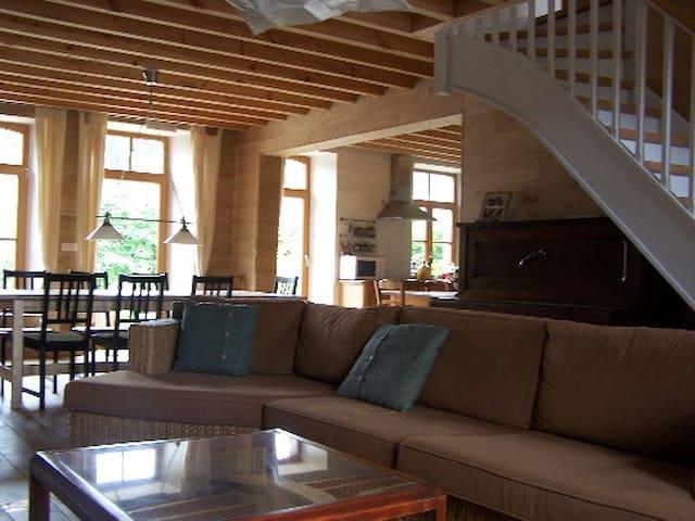 Le Chameau qui tousse - Viroinval - House