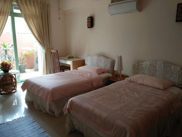 Quiet and Safe Location - Singapour - Bed & Breakfast