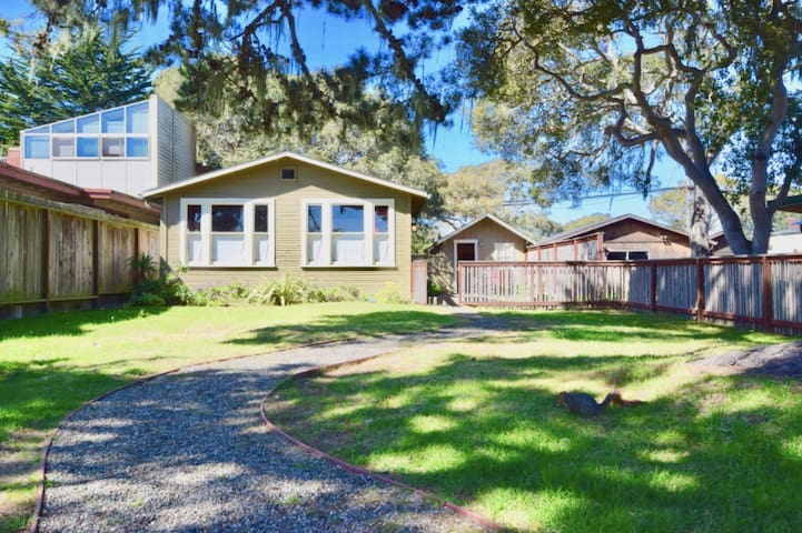 Furnished Monthly Rental - Beautiful Pacific Grove