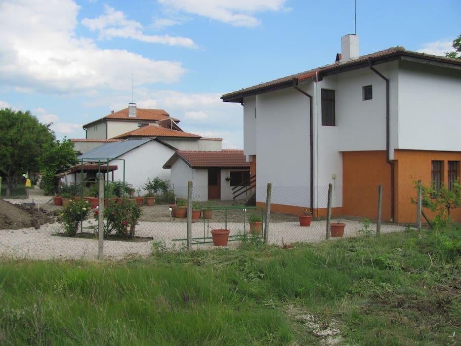 next to www.villa-elma.com