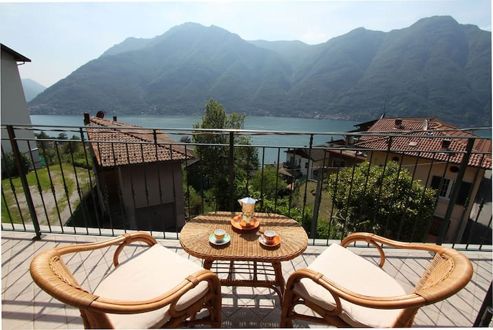 Lake View Cozy Attic in Nesso - Nesso - Appartement