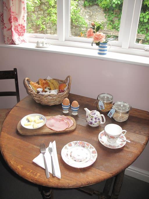 Breakfast awaits.....