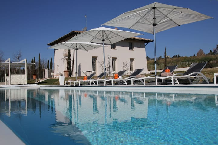 B&B Luogoceleste with swimming pool - Pozzo della Chiana - Bed & Breakfast